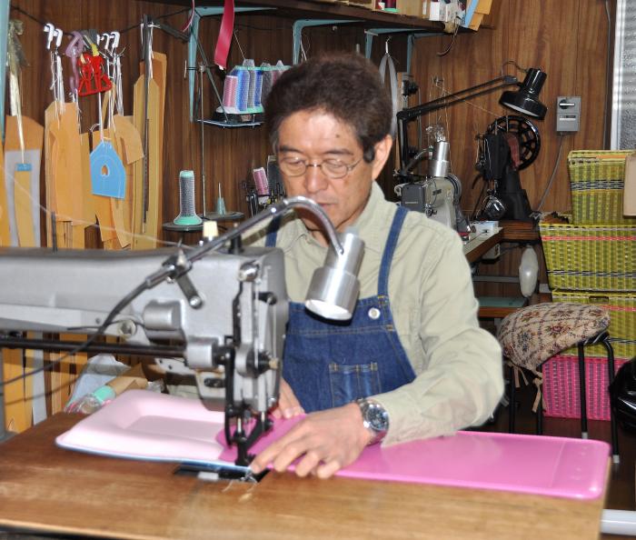 ランドセルの縫製 近藤かばん